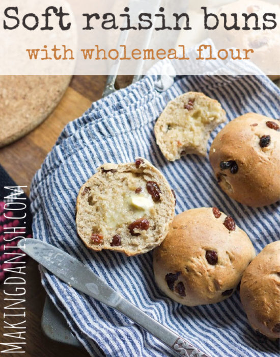 Soft raisin buns with whole wheat flour (vegan)